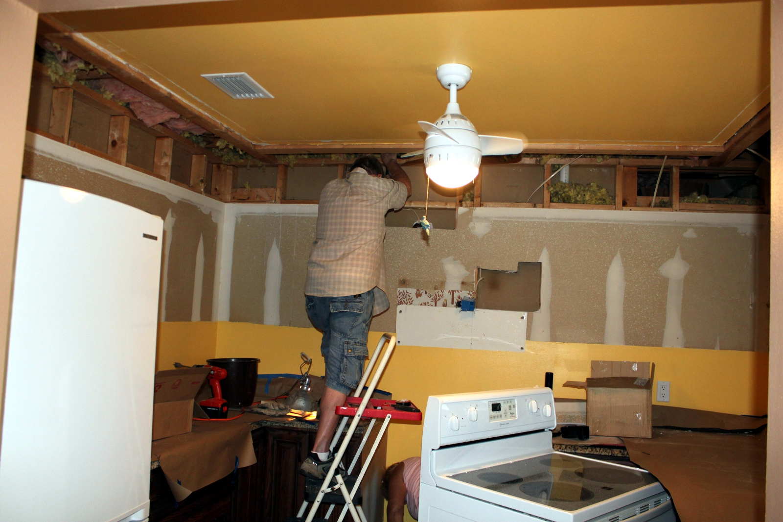 Electrical Wiring Lanailens Scary Daddy And Zack Completed Demo On The Upper Cabinets Yesterday Used Power Tools