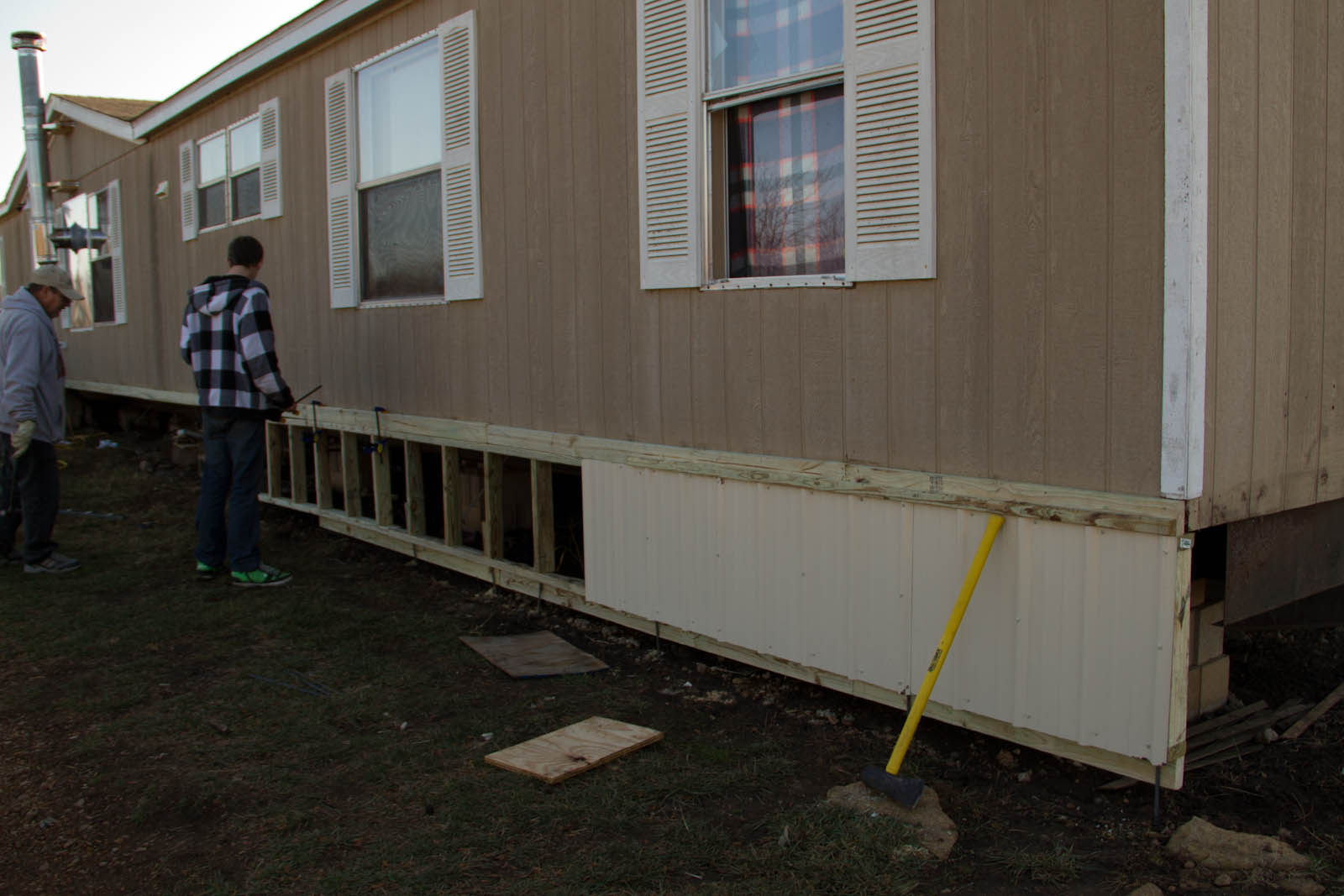 img_0666 Attached A Mobile Home Skirting on a mobile home kitchen, a mobile home siding, a mobile home floor,